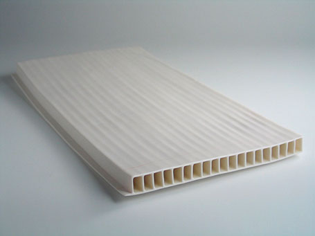 Ceramic works by Brisbane-based ceramicist Kenji Uranishi made during his artist residency at ANU.